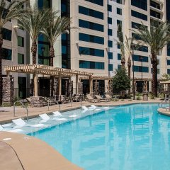 Отель The Berkley Las Vegas (No Resort Fees) США, Лас-Вегас - отзывы, цены и фото номеров - забронировать отель The Berkley Las Vegas (No Resort Fees) онлайн бассейн фото 2