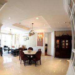 Апартаменты Central Bangkok 2+1 Bedroom Apartment on Soi 18 Бангкок питание