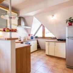 Отель Apartament Red Zakopane Косцелиско в номере
