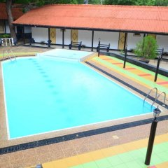 Отель Jayasinghe Holiday Resort бассейн фото 2