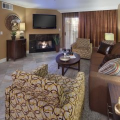 Отель Holiday Inn Club Vacations: Las Vegas at Desert Club Resort 3* Люкс с различными типами кроватей