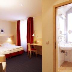 Hotel Victoria 4* Стандартный номер с двуспальной кроватью