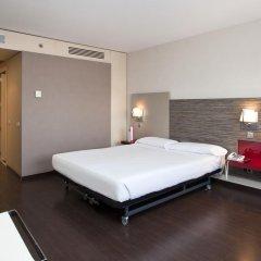 Отель ILUNION Barcelona 4* Стандартный номер с различными типами кроватей фото 16