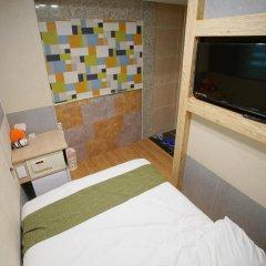 Отель D.H Sinchon Guesthouse 2* Стандартный номер с различными типами кроватей фото 15