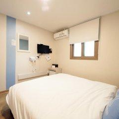 Отель K-guesthouse Sinchon 2 2* Стандартный номер с двуспальной кроватью фото 3
