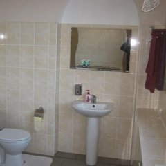 Гостиница Baikal Guest House Украина, Днепр - отзывы, цены и фото номеров - забронировать гостиницу Baikal Guest House онлайн ванная