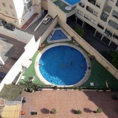 Отель Los Verdiales Торремолинос бассейн