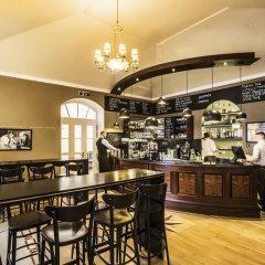 Отель Smetana Hotel Чехия, Прага - отзывы, цены и фото номеров - забронировать отель Smetana Hotel онлайн гостиничный бар