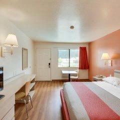 Отель Motel 6 Columbus West 2* Стандартный номер с различными типами кроватей фото 6