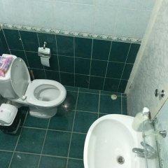 Отель Bishkek Guest House Кыргызстан, Бишкек - отзывы, цены и фото номеров - забронировать отель Bishkek Guest House онлайн ванная