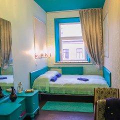 Мини-отель Pro100Piter Стандартный семейный номер с разными типами кроватей (общая ванная комната) фото 2