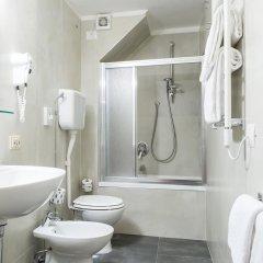 Отель Albergo Firenze 3* Стандартный номер с различными типами кроватей фото 5