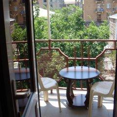Отель My Corner Hostel Армения, Ереван - отзывы, цены и фото номеров - забронировать отель My Corner Hostel онлайн балкон