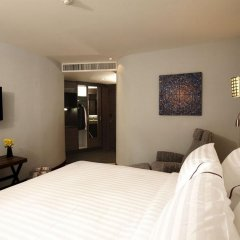 Отель Sukhumvit Suites 3* Улучшенный номер с двуспальной кроватью фото 6