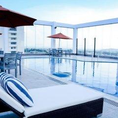 Hai Ba Trung Hotel and Spa бассейн