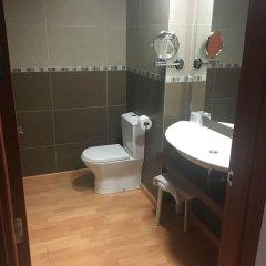 Отель Balneario Rocallaura Вальбона-де-лес-Монжес ванная фото 2
