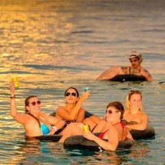 Отель Mantaray Island Resort бассейн фото 2