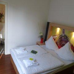 H+ Hotel 4 Youth Berlin Mitte 2* Стандартный номер с двуспальной кроватью