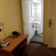 Отель XO Hotels City Centre 3* Номер категории Эконом с 2 отдельными кроватями фото 4