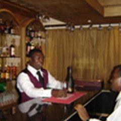 Отель The Camelot Rest House гостиничный бар