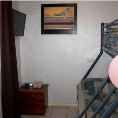 Smugglers Cove Beach Resort and Hotel удобства в номере фото 2