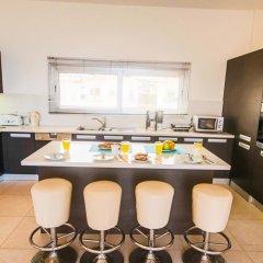 Отель Fig Tree Bay Apartments Кипр, Протарас - отзывы, цены и фото номеров - забронировать отель Fig Tree Bay Apartments онлайн питание