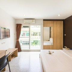 Отель The Fifth Residence 3* Улучшенный номер с двуспальной кроватью фото 6