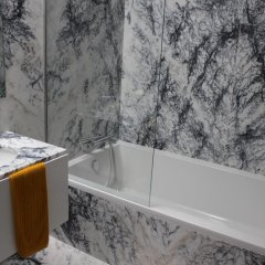 Отель Groove-Wood Loft ванная