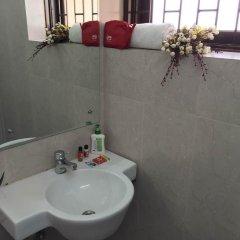 Отель OYO Rooms Gaffar Market 1 ванная фото 2