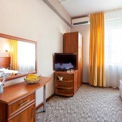 Гостиница Радужный 2* Стандартный номер с двуспальной кроватью фото 2