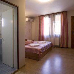 Отель Rai Guest House Шумен комната для гостей фото 2