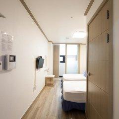 Отель K-guesthouse Sinchon 2 2* Номер Делюкс с 2 отдельными кроватями фото 3