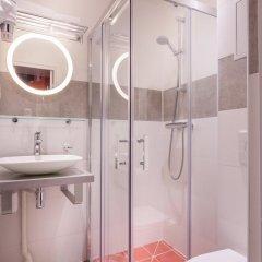 Отель Hôtel Jenner 3* Улучшенный номер с различными типами кроватей фото 4