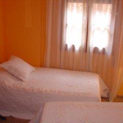 Отель Hostal Restaurante Arasa Стандартный номер с различными типами кроватей фото 6