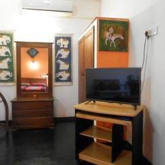 Отель Raj Mahal Inn 3* Улучшенный номер с различными типами кроватей фото 2