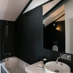 Отель Feels Like Home Bairro Alto Luxus Flat Португалия, Лиссабон - отзывы, цены и фото номеров - забронировать отель Feels Like Home Bairro Alto Luxus Flat онлайн ванная фото 2