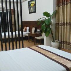 Gold Hotel Hue 3* Улучшенный семейный номер с двуспальной кроватью фото 2