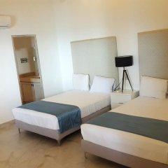 Отель Playa Conchas Chinas 3* Люкс