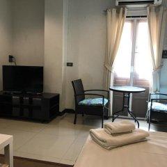 Отель Ratchadamnoen Residence 3* Улучшенные апартаменты с различными типами кроватей фото 3