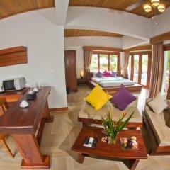 Mayura Hill Hotel & Resort 4* Вилла Делюкс с различными типами кроватей фото 3