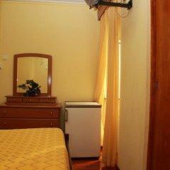 Отель Pensao Residencial Flor dos Cavaleiros 2* Стандартный номер с различными типами кроватей фото 14