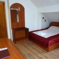 Гостевой Дом Вилла Северин Стандартный семейный номер с разными типами кроватей фото 11