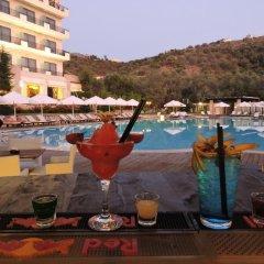 Отель Rapos Resort бассейн