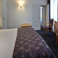 Royal Hotel Paris Champs Elysées 4* Улучшенный номер с различными типами кроватей фото 4