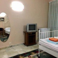 Гостиница Petrograd Na Zhukovskogo 39 Стандартный семейный номер с двуспальной кроватью (общая ванная комната) фото 2