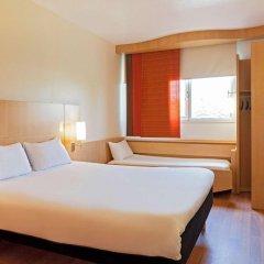Отель ibis Barcelona Aeropuerto Viladecans 3* Стандартный семейный номер с двуспальной кроватью