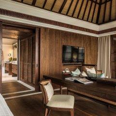 Отель Four Seasons Resort Bali at Jimbaran Bay 5* Вилла с различными типами кроватей фото 9