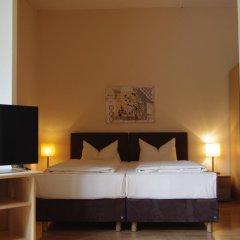 Отель Am Sendlinger Tor 3* Кровать в общем номере фото 5