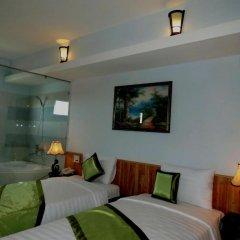 Отель Starfruit Homestay Hoi An 2* Улучшенный номер с различными типами кроватей фото 4