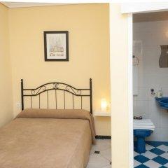 Отель Pension Perez Montilla 2* Стандартный номер с различными типами кроватей фото 12